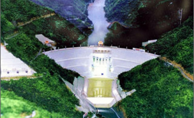 Laos agrees to studies for second Mekong dam