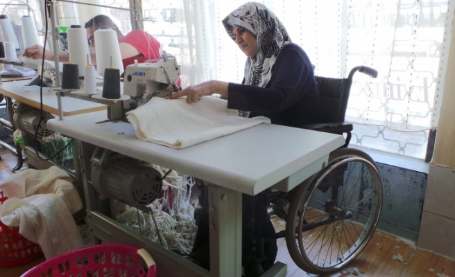 Disability no obstacle for Syrian Turkmen refugee in Istanbul