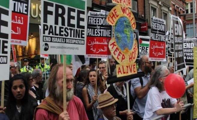 Hundreds protest against Israeli policies in London