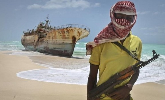 Four long-held Thai hostages released by Somali pirates