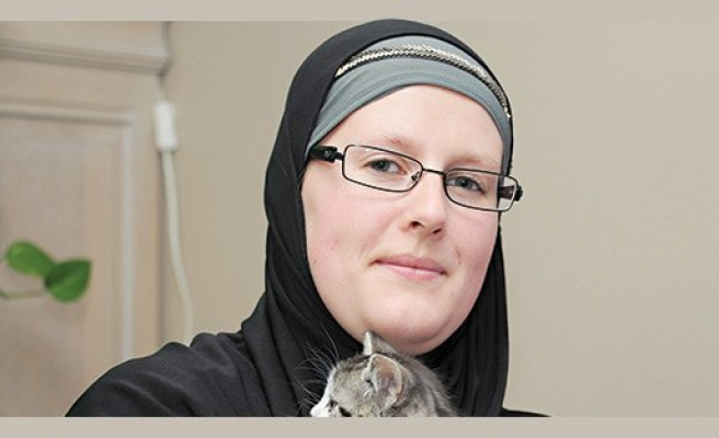 Woman helps over 1,000 Belgians converts to Islam
