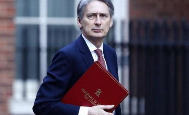 British PM Cameron appoints Philip Hammond as foreign minister