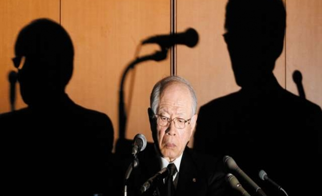 Japan scientist in discredited stem-cell research commits suicide