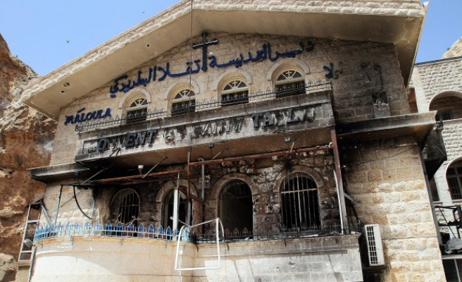 Kerry blames ISIL, Assad for 'barbarism' of heritage sites
