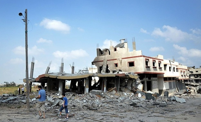 Israeli army fires on homes in Gaza's Khan Younis