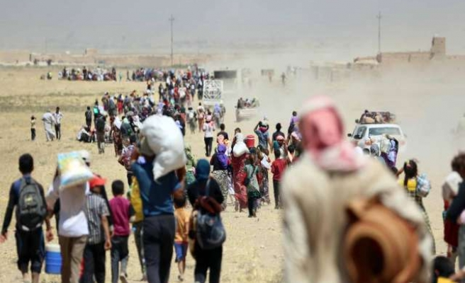Iraqi Kurds prepare Sinjar mountain offensive