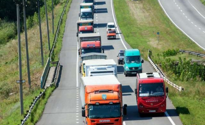 Red Cross to hold aid convoy talks in Kiev, Moscow