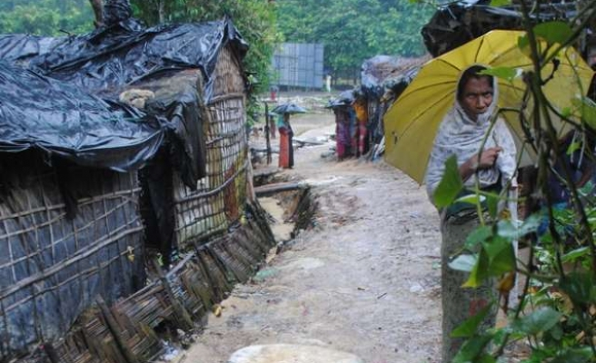 Ban says concerned about Rohingya to Myanmar officials