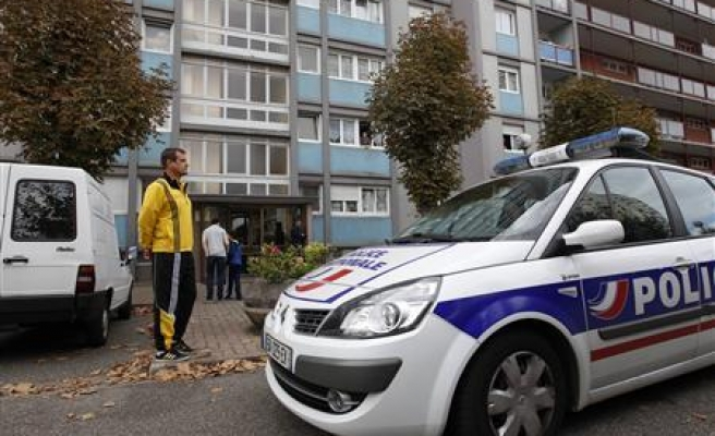 France: Mother blames police for son's trip to Syria