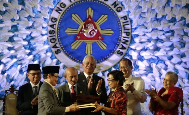 MILF rebels welcome pope's support for Philippine peace