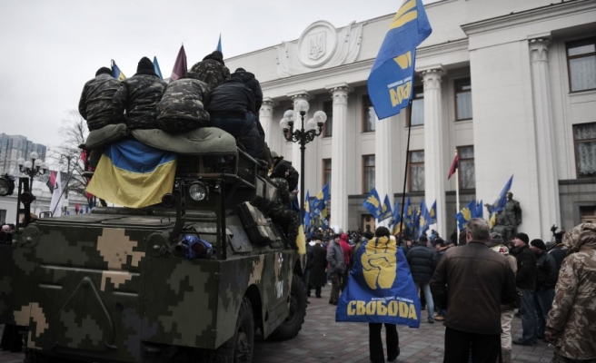 German, Ukrainian far-right extremists working together