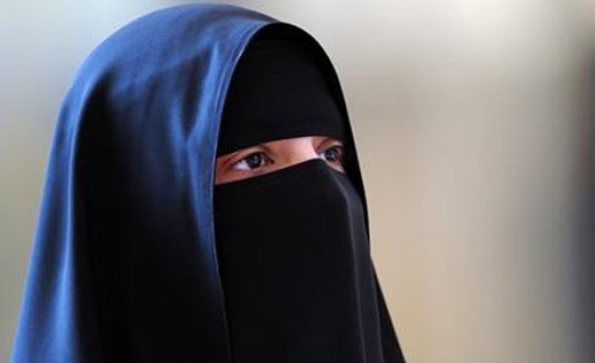 Dutch MPs approve partial ban on burqa wearing in public