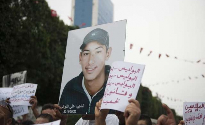 Tunisia rights groups protest alleged prison torture