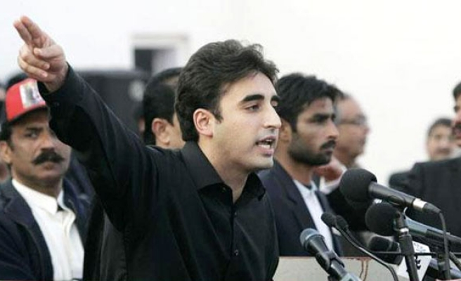 Bhutto's son struggles to shake off father's legacy