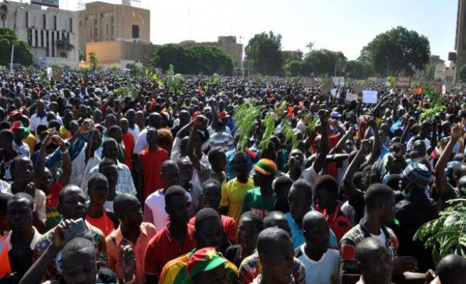 Hundreds protest in Burkina Faso capital against army's power grab
