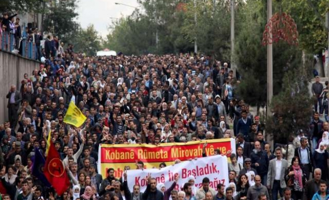 Kurds hold unauthorized rally in southern Turkey