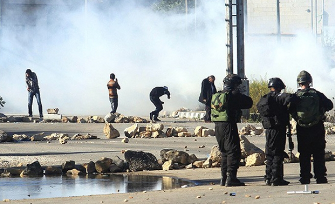 Israeli Arabs riot after youth's death