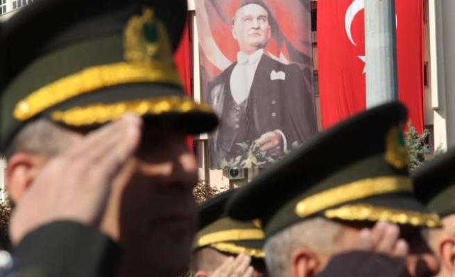 Turks commemorate Ataturk, country's founding father
