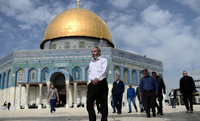For 2nd week, Israel drops age restrictions for Aqsa access