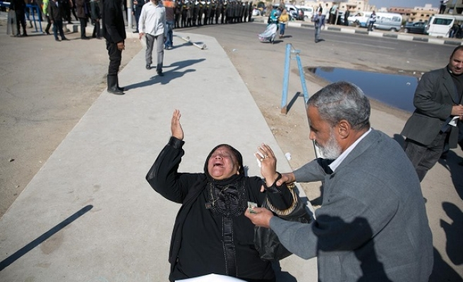 Mubarak verdict angers families of Egypt revolution victims -UPDATED