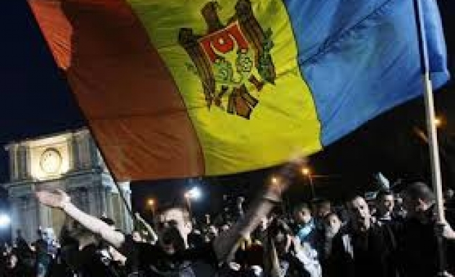 Russia says 'gross violations' in Moldova election