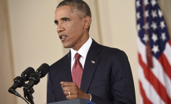 Obama to address 'simmering distrust' between blacks and police