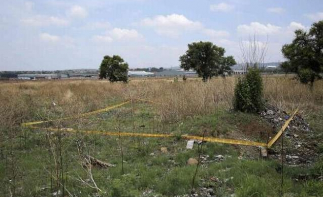 Poverty-stricken S. Africans grab public land