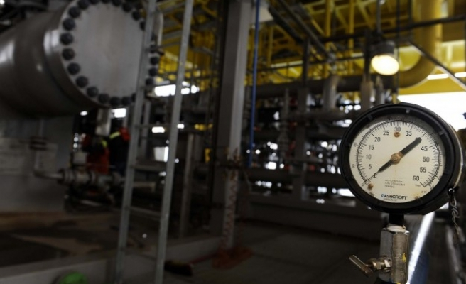 Russia may supply gas to east Ukraine as humanitarian aid