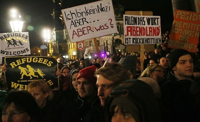 35,000 Germans rally in Dresden against racism and xenophobia