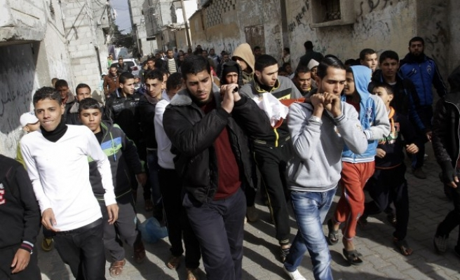 Palestinian family calls for inquiry into boy's death