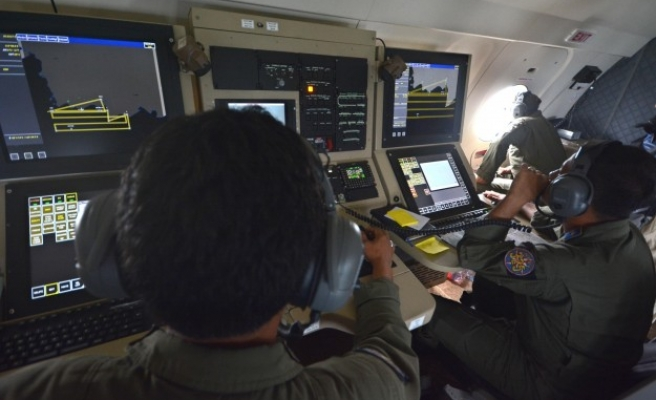 Indonesian ship detects AirAsia jet's black box 'pings'