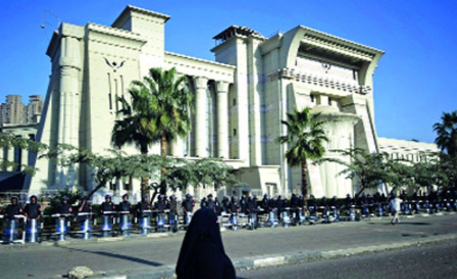 Egypt's high court orders re-trial of policemen linked to 37 deaths