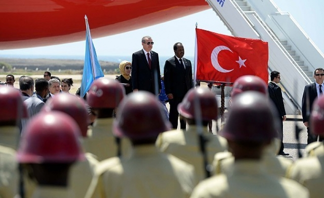 Turkish president inaugurates hospital in Somalia -UPDATED
