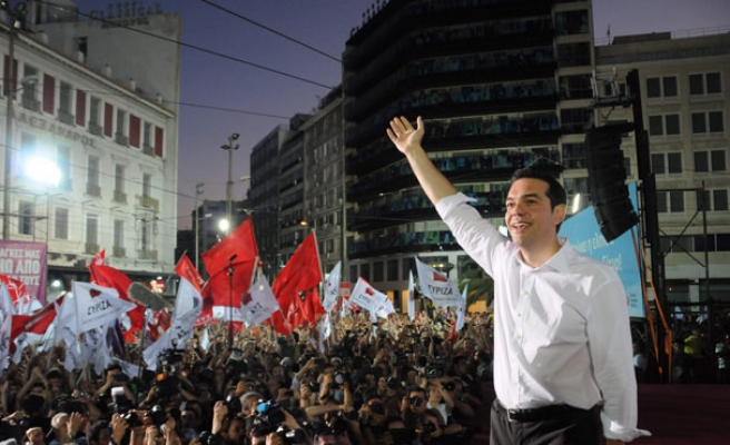 Tsipras moves to form anti-austerity Greek government after crushing victory