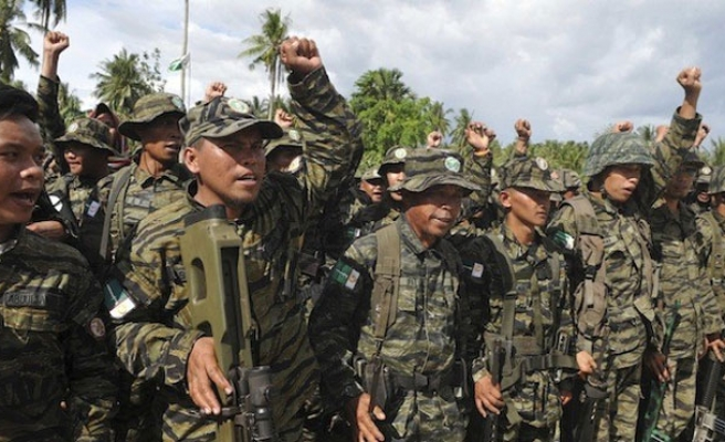 Militant sought in Philippines raid still alive