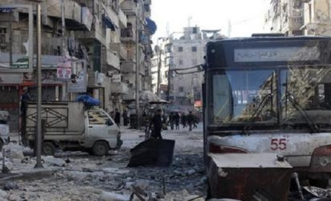Seeking safety, families flee homes east of Damascus