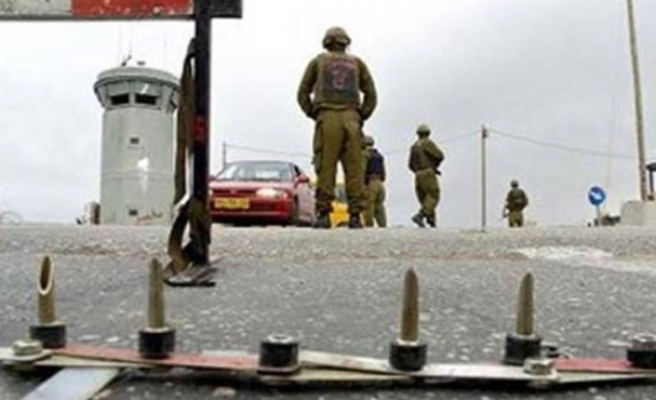 Israel detains 2 knife-holding Palestinians in Hebron