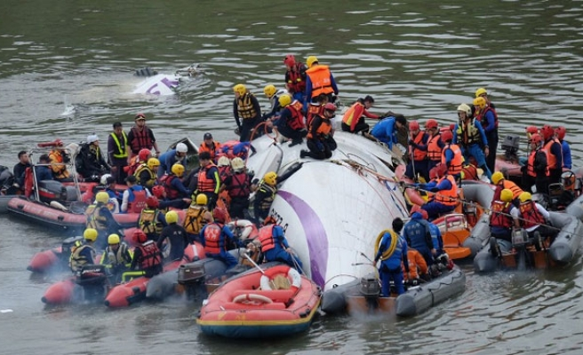 Death toll from Taiwan plane crash rises to 31-UPDATED