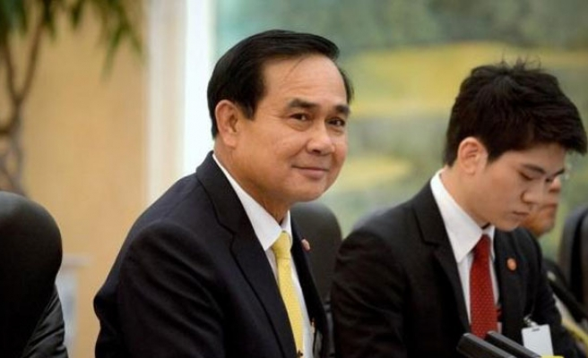 Thai PM maintains general election to take place in 2016