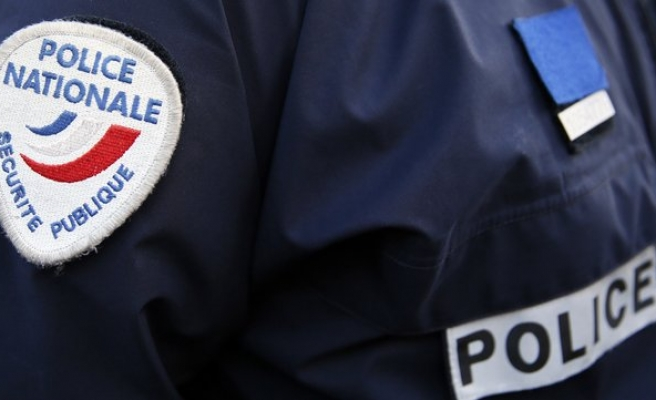 Hooded gunmen fire on French police in Marseille-UPDATED