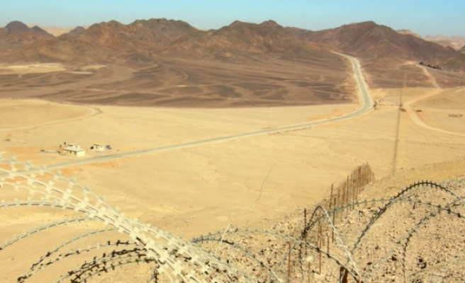 Israeli smugglers killed by Egypt army on border