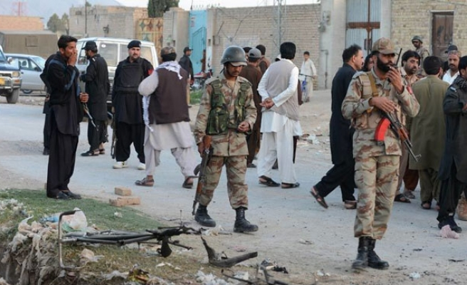Blast outside mosque in Pakistani capital kills 2