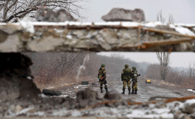 First day with no troops killed under Ukraine truce