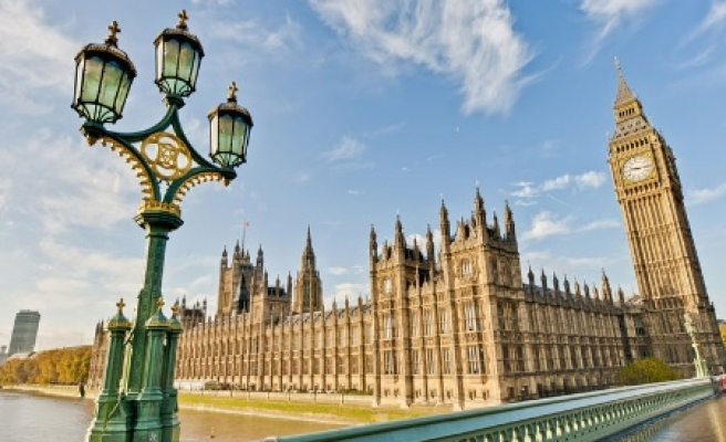 Controversial 'anti-terror' bill gets royal assent in UK