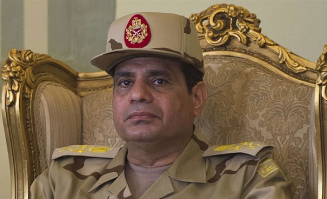 Egypt re-enters neighboring Libya