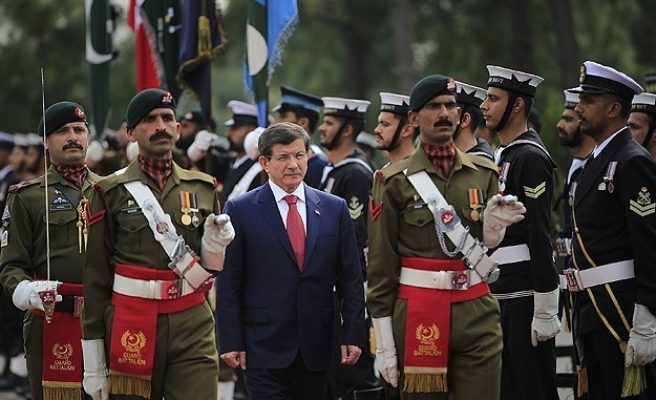 Turkish PM visits Pakistan to boost ties