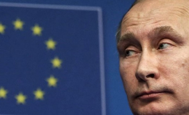 Putin extends ban on Western by one year