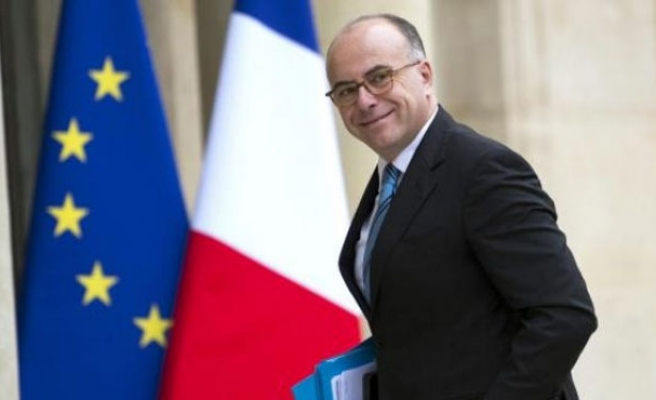 French minister visits U.S. Internet firms about militants' messaging