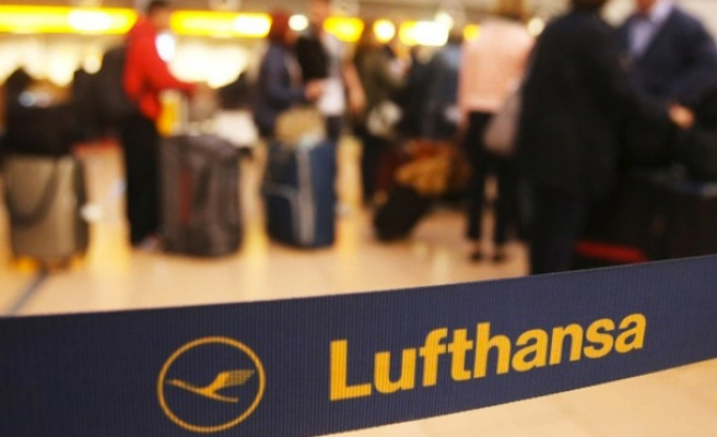 Lufthansa cancels nearly 900 flights in pilots' strike