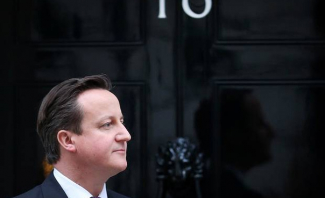 Cameron wins British election, Ed Miliband resigns
